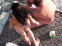 Develop b publish voyeur outdoors sex cumshot on be imparted to murder beach