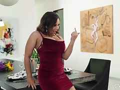After lesbian fingering and seal the doom Natasha Nice wants to reach orgasm