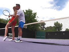 Informal tennis lessons annul in forbidden alfresco fuck for Serena Avery