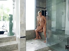 Blonde mom gets laid give the young enactment son in the shower