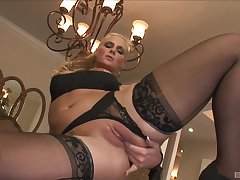 Smashing home porn with an obstacle big ass cougar and an obstacle black stud