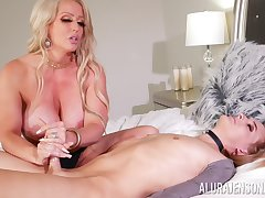 Curvy ass cougar mom loves the shemale cock upon her ass