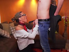 Andrea Szenasi largeness her legs to get fucked and then took a facial