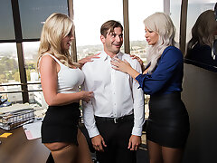 London River & Rachael Cavalli have hot threesome hither the office with their co-worker hither order to leave early for Labor Day