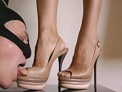 Lock At My Trotters And Heels - Goddess Leyla
